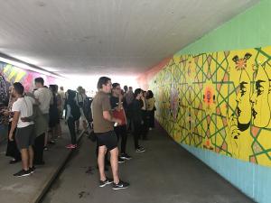 Färgstark tunnel mellan Markbacken och Hjärsta.