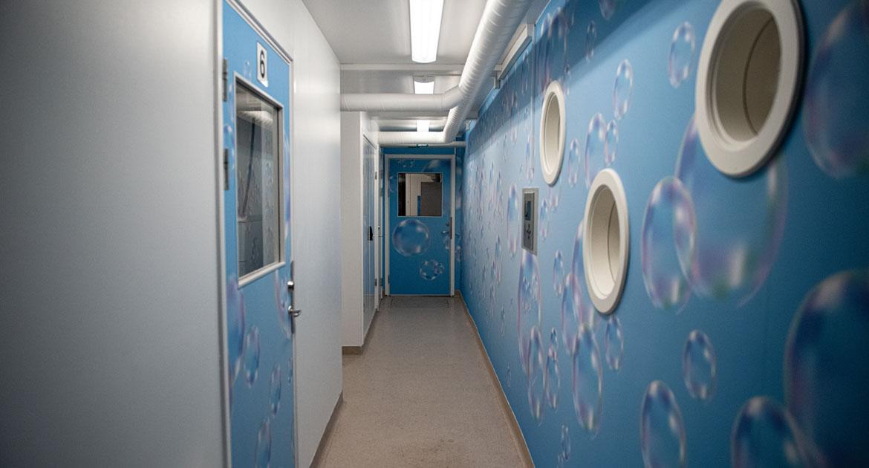Korridor i tvättstuga